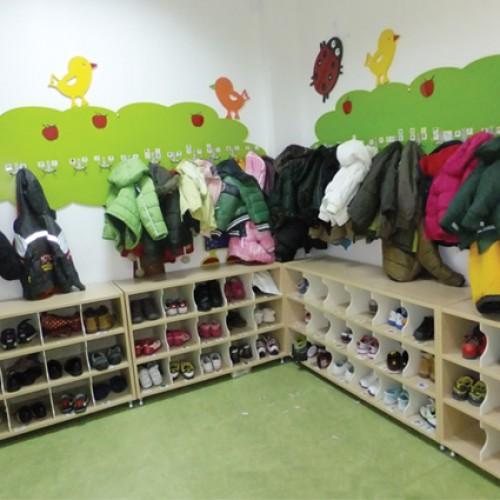 Açık Gözlü Ayakkabılık modelleri, Açık Gözlü Ayakkabılık fiyatı, anaokulu Ayakkabılık ve Portmantolar fiyatları, anasınıfı Ayakkabılık ve Portmantolar modelleri görselleri ve resimleri, anaokulu kreş malzemeleri