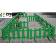 Renkli Anaokulu Oyun Alanı Çiti