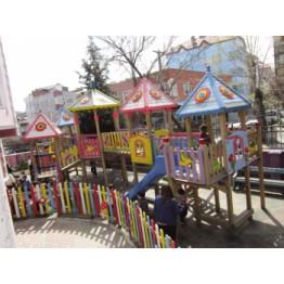 Çok Kuleli Çocuk Parkı